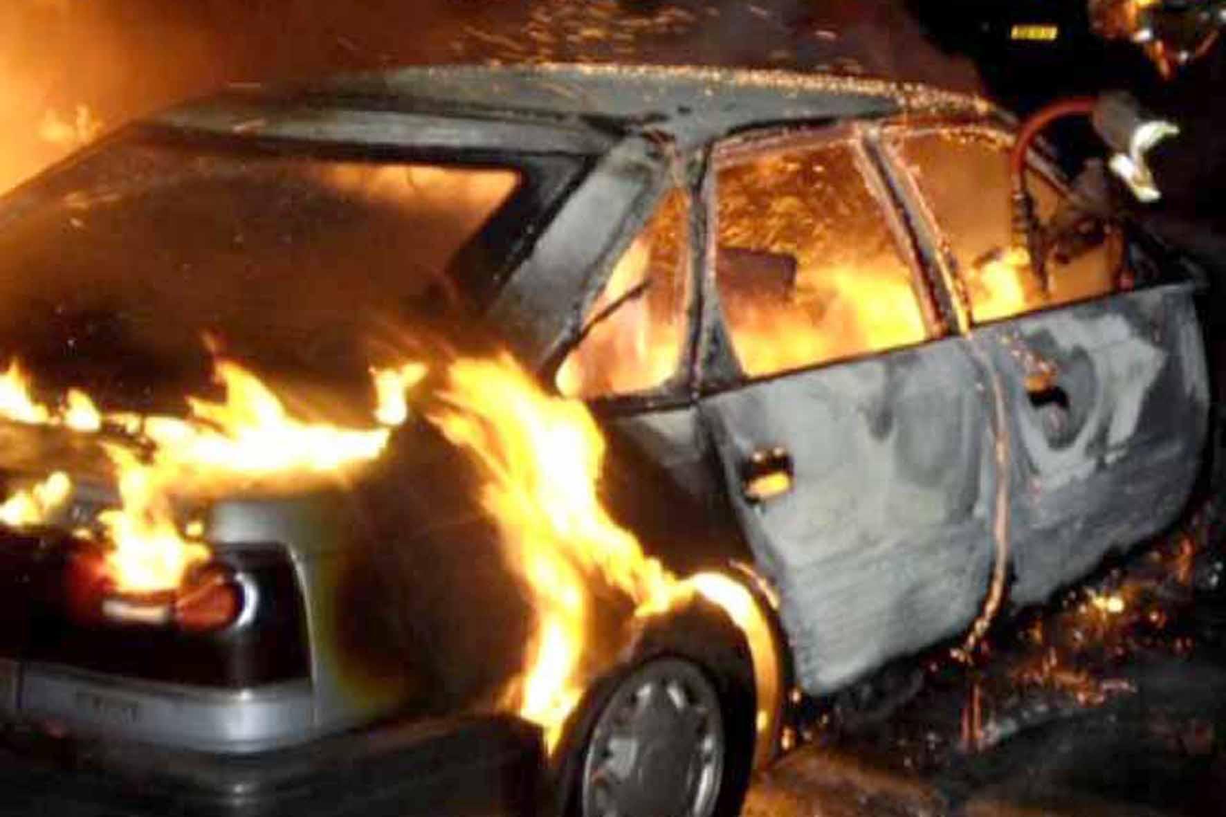 """Результат пошуку зображень за запитом """"згорів автомобіль"""""""
