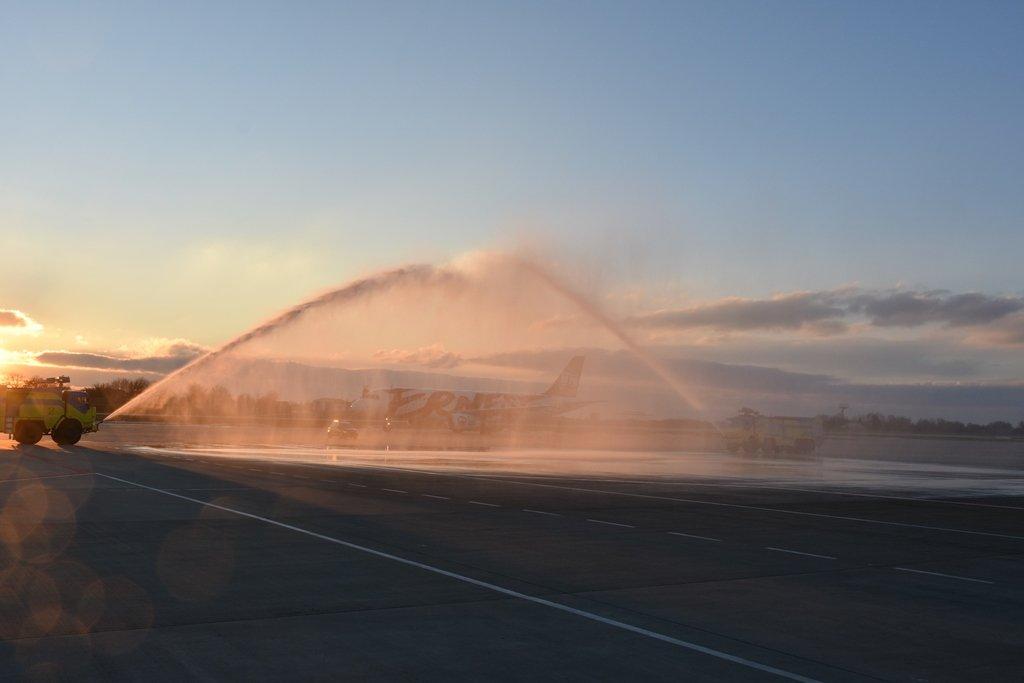 ВУкраїні прибув перший рейс лоукостера з Італії